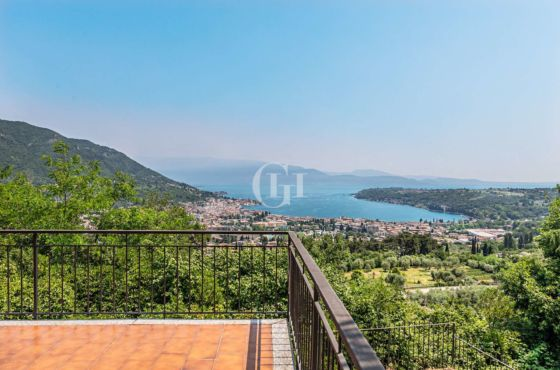 DETACHED VILLA WITH A BREATHTAKING VIEW